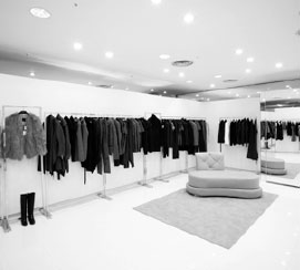 d3c0399bf7 CoSTUME NATIONAL reinvents its boutique offering an essential-chic concept  where the color white dominates. The design of the store was entirely  created by ...