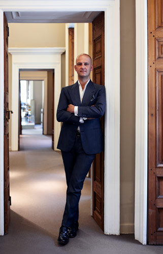 92b442143d3fb Born in 1968, Giuseppe Santoni was still a child when his father Andrea  established the company. Already at a very young age (following in the  footsteps of ...